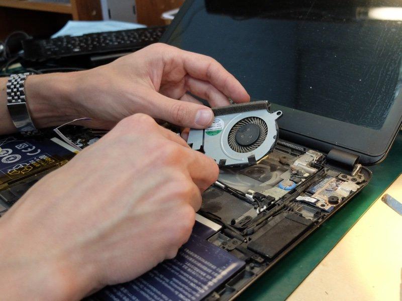 Выключается ноутбук сам по себе, что делать